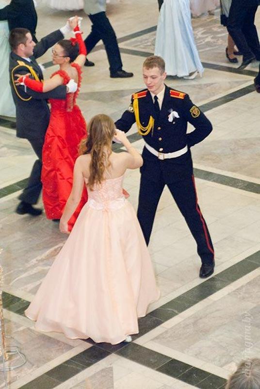 10. Последний танец на выпускном балу